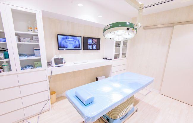 手術室(インプラント専用)